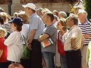 Admirateurs guettant la sortie de Céline Dion