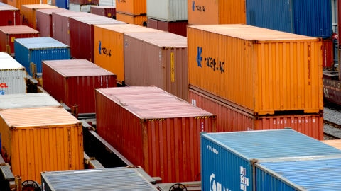 Le HCP table sur un taux de croissance du PIB de 6,1 pc au 3-ème trimestre 2009 dans Economie 081113cargo-exportation_8