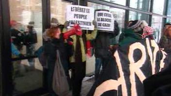 Une manifestation d'appui aux Palestiniens jeudi, à Montréal, devant le consulat israélien