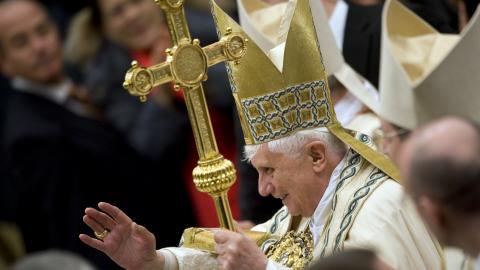 VATICAN : Déficit de 5.4 millions de dollars ! AFP_090128pape-vatican_8