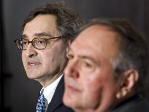 Michael Sabia (à gauche) en compagnie du président du C.A. de la Caisse de dépôt et placement du Québec, Robert Tessier