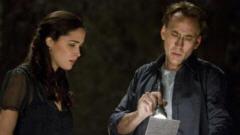 Rose Byrne et Nicolas Cage dans Knowing