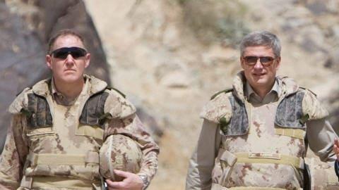 Le Chef d��tat-major de la D�fense Walter Natynczyk et le premier ministre Stephen Harper en Afghanistan