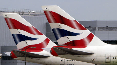 De nombreux avions, comme ceux de la British Airways, sont rest&eacute;s<br />