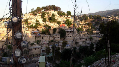 La souveraineté est-elle un obstacle à la reconstruction  d'Haiti ? 100324electricite-petionville_8