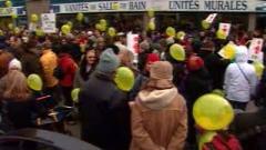 Des centaines de personnes sont venues appuyer les travailleurs de la raffinerie de Shell.