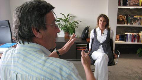 Jean-Michel en entrevue avec Mar�a Dolores de Cospedal, secr�taire g�n�rale du Parti populaire (parti de droite)