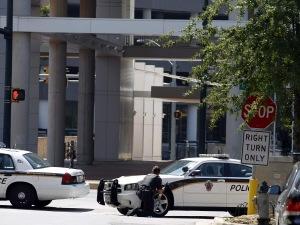 Les autorités ont fermé la rue où sont situés les bureaux de Discovery Channel.