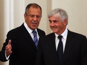 Les ministres canadien et russe des Affaires étrangères, Lawrence Cannon et Sergueï Lavrov.
