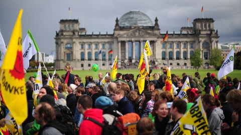 http://img.src.ca/2010/09/18/480x270/AFP_100918allemagne-manif-nucleaire_8.jpg