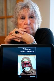 Wassyla Tamzali milite avant tout pour le respect des droits des femmes, mais elle s'oppose au port du voile.