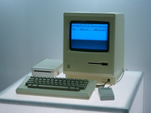 Le Macintosh d'Apple, lancé en 1984