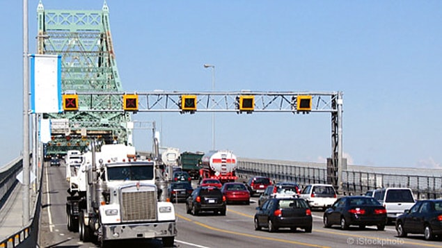Circulation sur le pont Jacques-Cartier