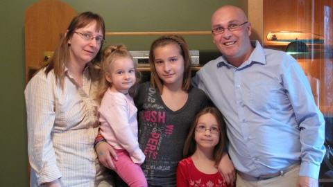 H�l�ne Lambert, Richard Chabot et leurs enfants Karianne, 10 ans, Sarah, 5 ans, et Bianca, 2 ans