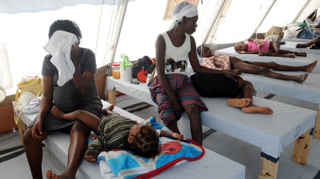 Un centre de traitement du choléra de Médecins sans frontières à Port-au-Prince, le 22 décembre 2010
