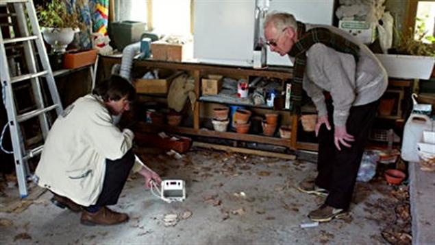 Test pour évaluer la concentration de radon dans l'air