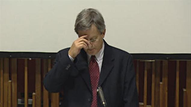Le Maire de Saguenay perd son combat pour réciter la prière au Conseil - Page 3 110317_06u81_tremblay_jean_priere_sn635
