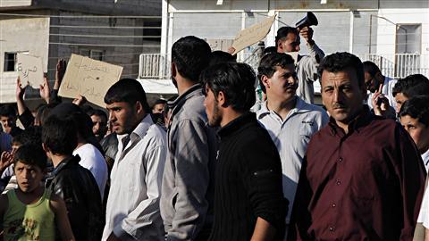 Des manifestants syriens réclament plus de liberté dans le village d'Ankhal, près de Deraa.