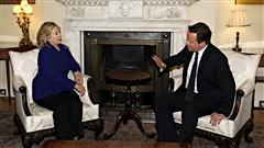 La secrétaire d'État américaine Hillary Clinton a rencontré mardi le premier ministre britannique David Cameron.