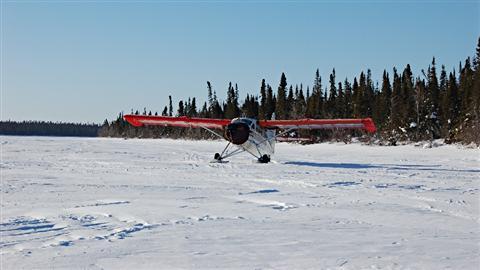 Un avion de brousse