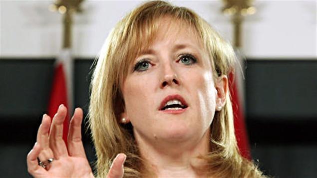 La ministre fédérale des Transport Lisa Raitt.