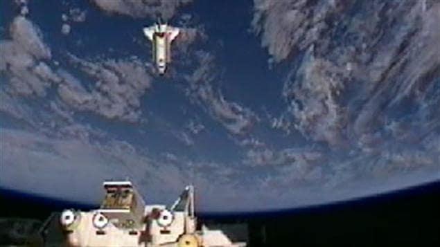 Vie et travail à bord de la Station spatiale internationale, carrières spatiales et métier d'astronaute : thèmes des échanges entre l'astronaute de l'Agence spatiale canadienne (ASC) David Saint-Jacques et des élèves de la Colombie-Britannique.