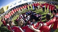 Les jeunes se donnent la main pour célébrer la francophonie, en 2008 à Edmonton