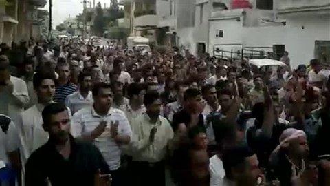 Manifestation populaire à Hama. AFP n'est pas en mesure de confirmer de source indépendante l'authenticité de cette vidéo, extraite d'une vidéo postée sur You Tube.