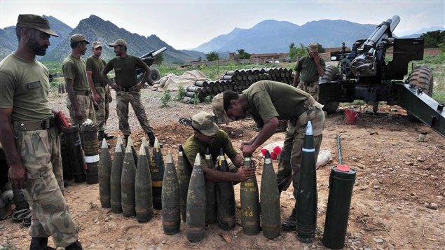 L'armée pakistanaise lors d'une offensive.