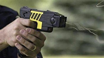 Pistolet à décharge électrique (archives)