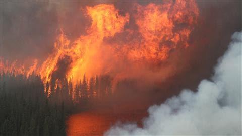 Feu de forêt dans la région de Sioux Lookout