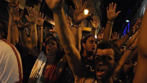 La manifestation mercredi sur la place de la Puerta del Sol à Madrid a attiré des milliers de personnes.