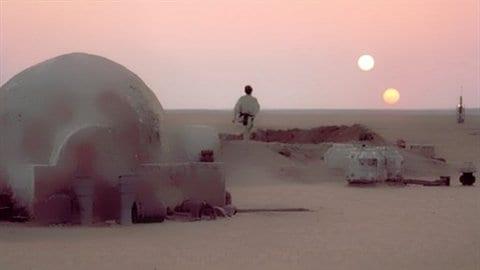 Une planète, deux soleils