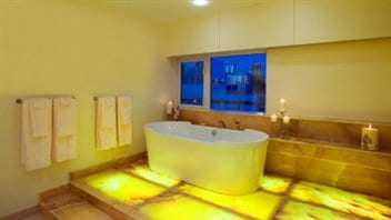 Au moins deux bains par semaine pour les a n s des - Salle de bain feng shui ...
