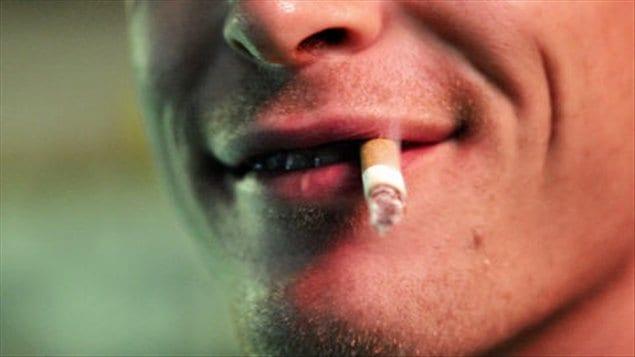 Les produits du tabac aromatisés forment le principal fer de lance aujourd'hui au Canada des compagnies de tabac qui tente de reconquérir le marché des adolescents et des jeunes adultes.