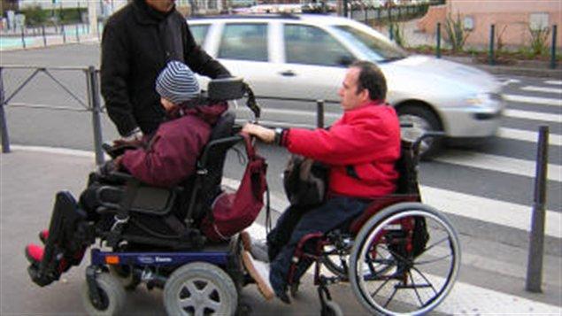 Tracer les voies d'une entente pour venir en aide aux personnes handicapées