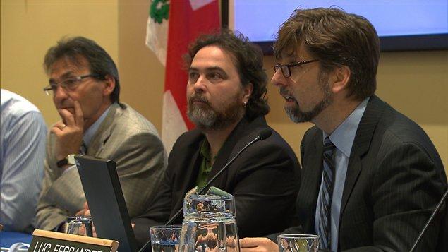 Le maire de l'arrondissement du Plateau-Mont-Royal, Luc Ferrandez, à droite sur la photo.