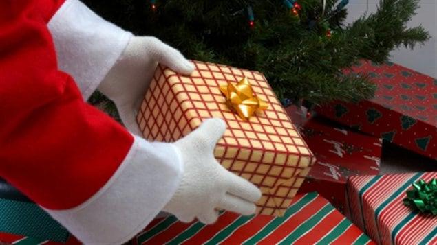 Les multiples cadeaux du Père Noël ouvriront le bal des jouets pour les enfants au matin du 25 décembre