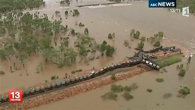 Le cyclone Grant a causé des inondations et un déraillement de train dans le nord de l'Australie.
