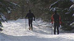 Des skieurs au Mont-Sainte-Anne