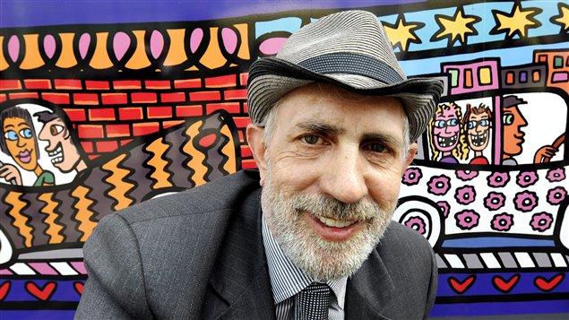 James Rizzi, devant l'une de ses oeuvres, en 2008
