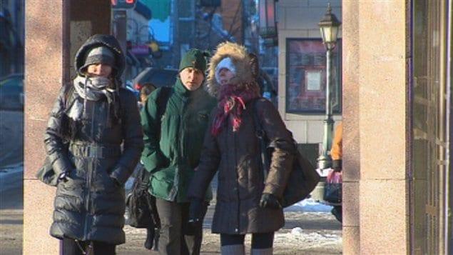 Au Québec : Des maisons qui viennent en aide aux sans-abri et démunis - Page 2 120104_o76qr_froid_quebec_sn635