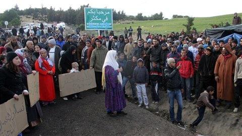 Des résidents de Makthar, dans le centre-ouest de la Tunisie, réclament des investissements dans les régions les plus pauvres.