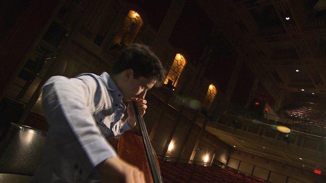 Le jeune violoncelliste Stéphane Tétreault