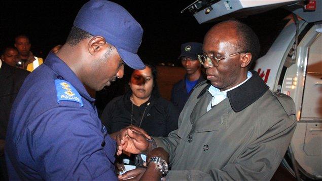 Léon Mugesera à son arrivée au Rwanda en 2012