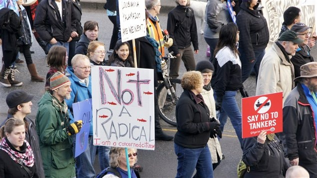 Manifestation contre le projet de pipeline Northern Gateway � Prince Rupert - Cr�dit : PC/Robin Rowland