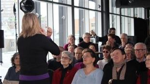 Marcia Pilote devant son public