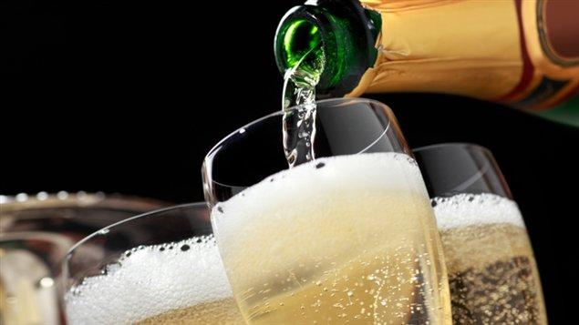Des verres de champagne