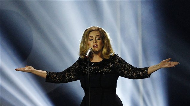 La chanteuse Adele aux Brit Awards 2012