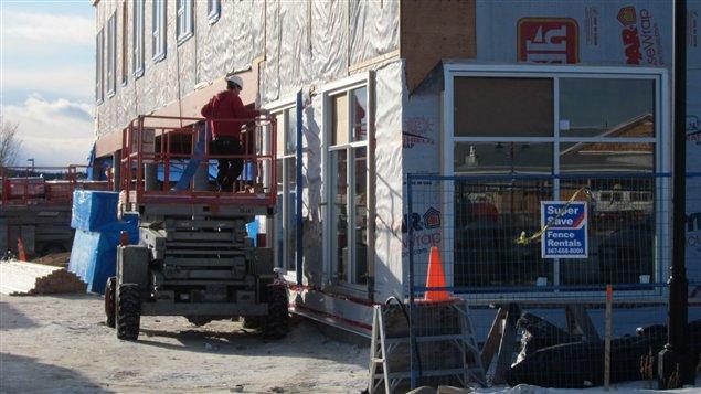 Yukon consultations au sujet de la nouvelle loi sur les copropri t s ici radio for Loi sur les constructions